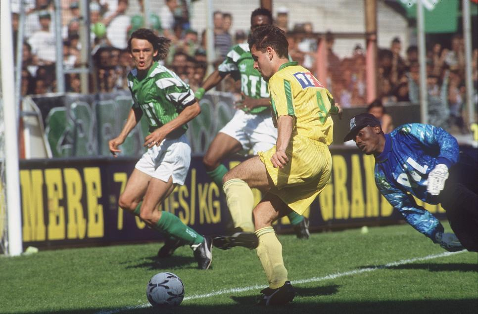 http://irofoot.s3.amazonaws.com/images/photos/article/ASSE_Nantes_1993.jpg