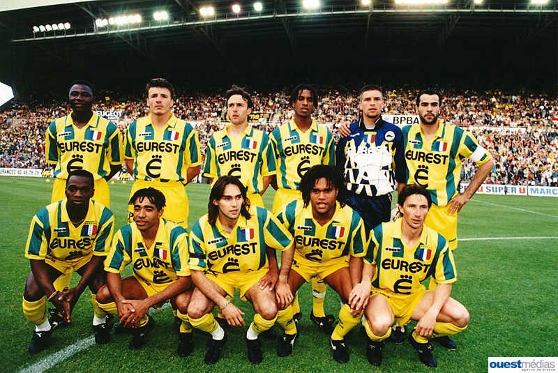 http://irofoot.s3.amazonaws.com/images/photos/article/FCNantes_94-95.jpg