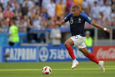 http://irofoot.s3.amazonaws.com/images/photos/article/Mbappe_w484.jpg