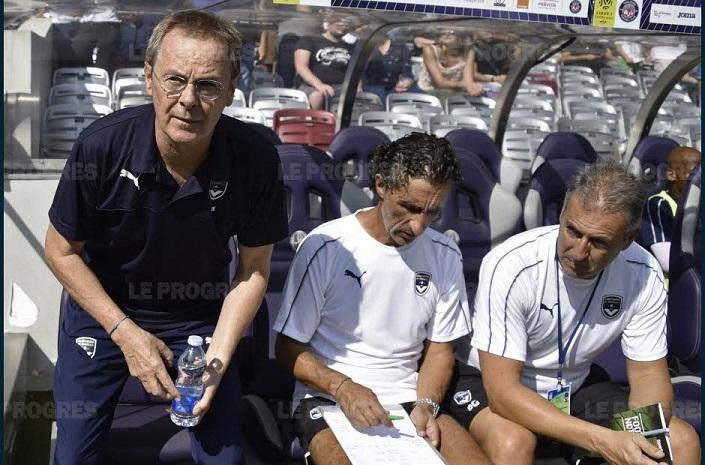 http://irofoot.s3.amazonaws.com/images/photos/article/eric-bedouet-entraineur-interimaire-de-bordeaux-depuis-la-mise-a-pied-de-gustavo-poyet-va-t-il-disputer-son-dernier-match-a-la-gantoise-ou-dimanche-contre-bordeaux-photo-afp-pascal-pavani-1534952367.jpg