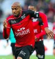 http://irofoot.s3.amazonaws.com/images/photos/article/img-guingamp-mate-strasbourg-a-l-experience-1503846579_x600_articles-alt-447154.jpg