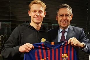 http://irofoot.s3.amazonaws.com/images/photos/article/large-real-ajax-la-requete-du-barca-a-frenkie-de-jong-7be2e.jpg