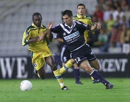 http://irofoot.s3.amazonaws.com/images/photos/article/pauleta-face-a-nantes-un-bapteme-du-feu-ideal-pour-l-attaquant-portugais-qui-a-inscrit-trois-buts-a-la-beaujoire.jpg